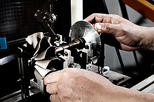 昭和はターボ・燃料噴射システムのリビルト専門工場です